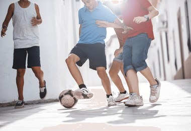 how to play street football